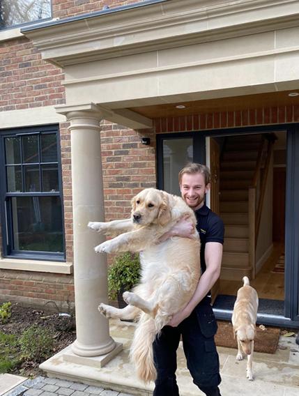 baldowin-removals-surrey-alex-with-dog-568px